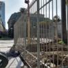 El GCBA instala rejas ilegales en la Plaza de Mayo
